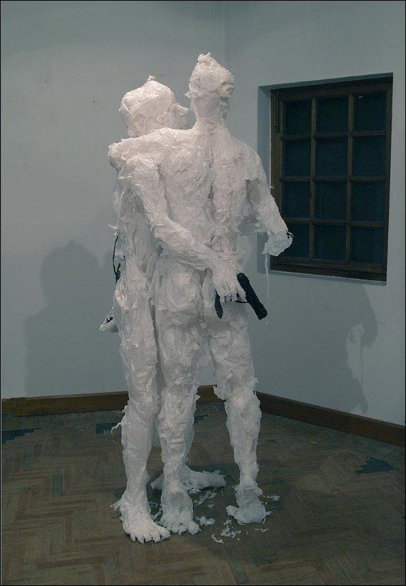 Скульптуры из полиэтиленовых пакетов
