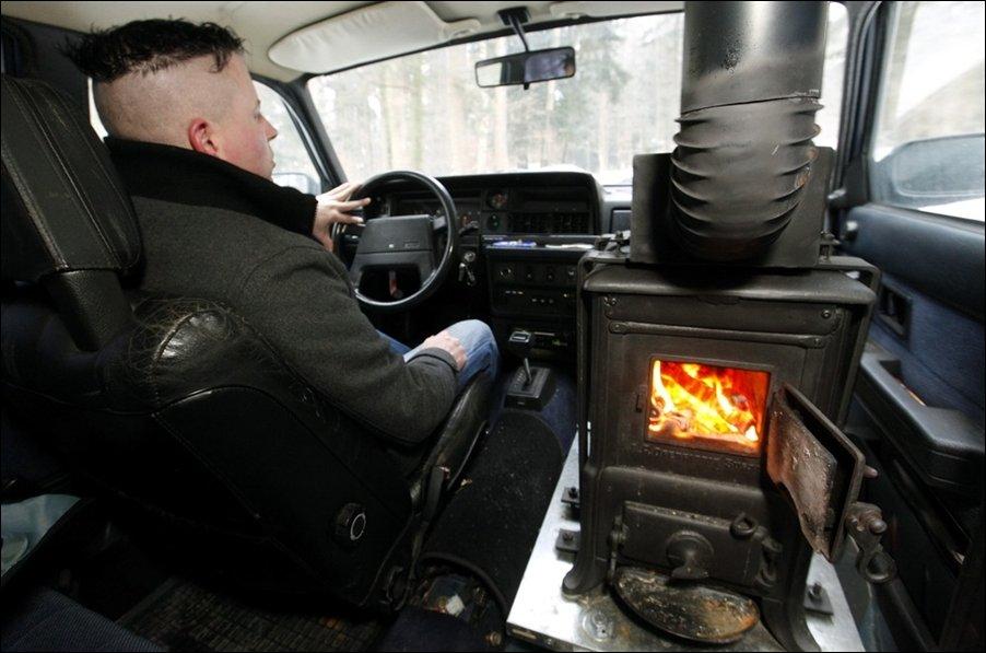 Дровяная печка в автомобиле
