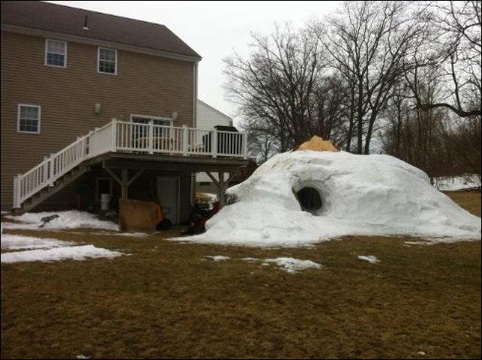 Хижина из снега