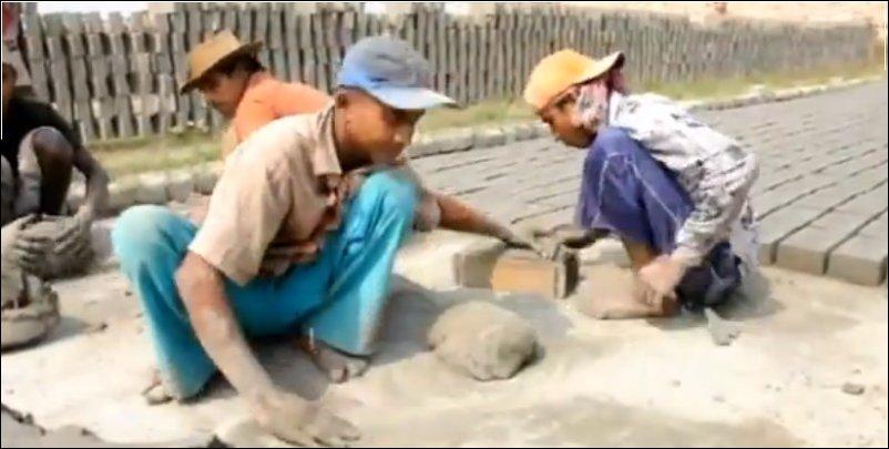Укладка тротуарной плитки в Бангладеш