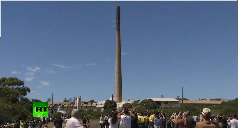 Снос 200-метровой трубы в Сиднее