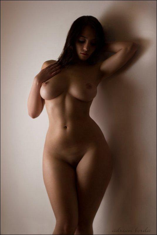 девушки с формами голые фото