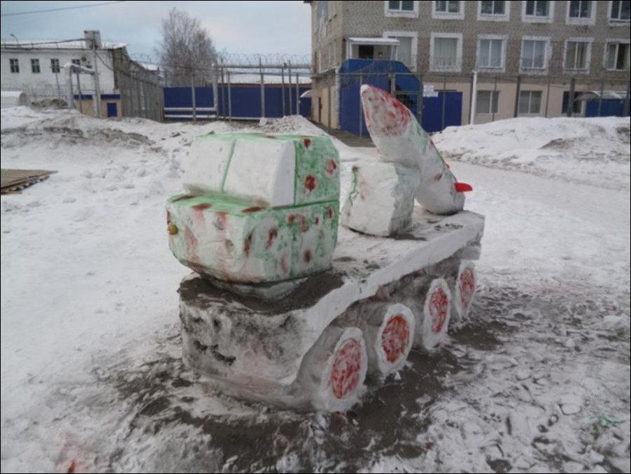 Снежные скульптуры в Омске