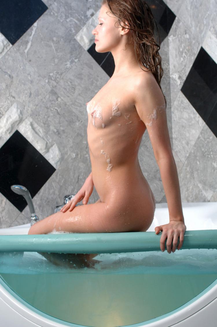 lida-nude-16