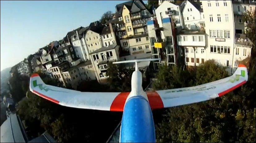 Радиоуправляемый самолетик с видеокамерой
