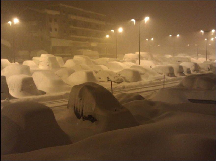 Раннее зимнее утро во Французском городе Тинь