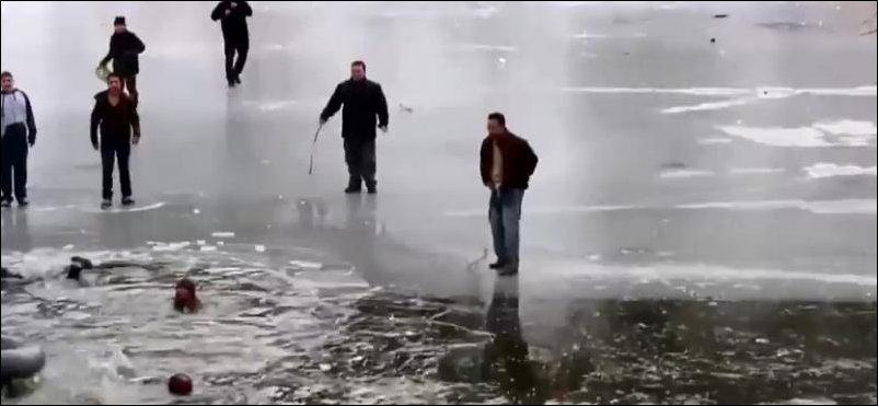 провалились под лед