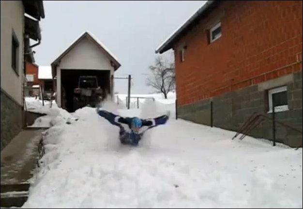 Плавание по снегу