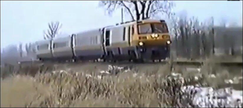 Машинист выпрыгнул из поезда перед столкновением