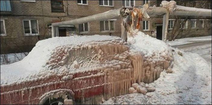 Прорвало теплотрассу