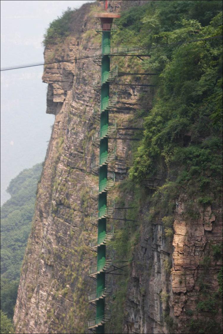 Винтовая лестница в Китае