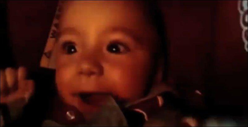 Реакция малышей когда машина въезжает в тоннель