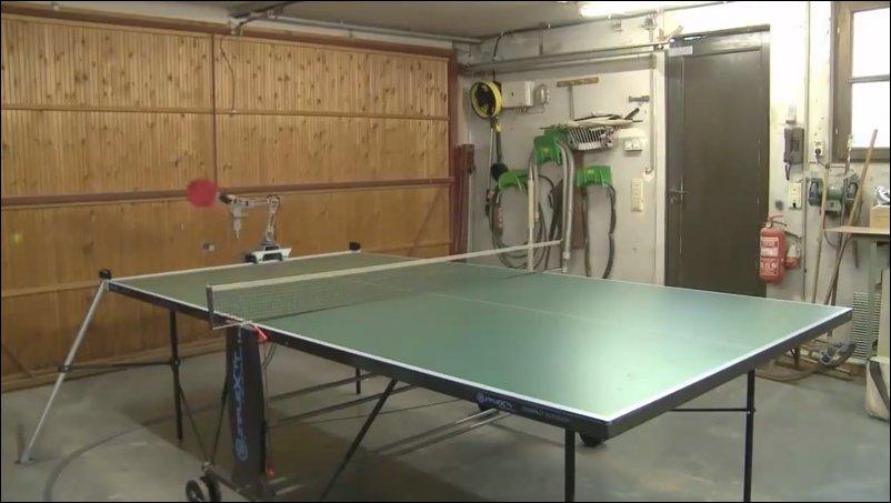 Роботизированная рука для игры в настольный теннис