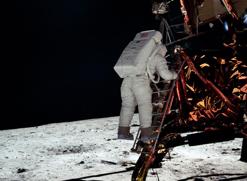 стараюсь фото олдрина в лунном модуле отдохнете по-настоящему всей