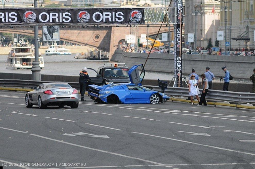bugatti-crash-04