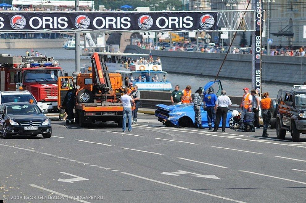 bugatti-crash-05