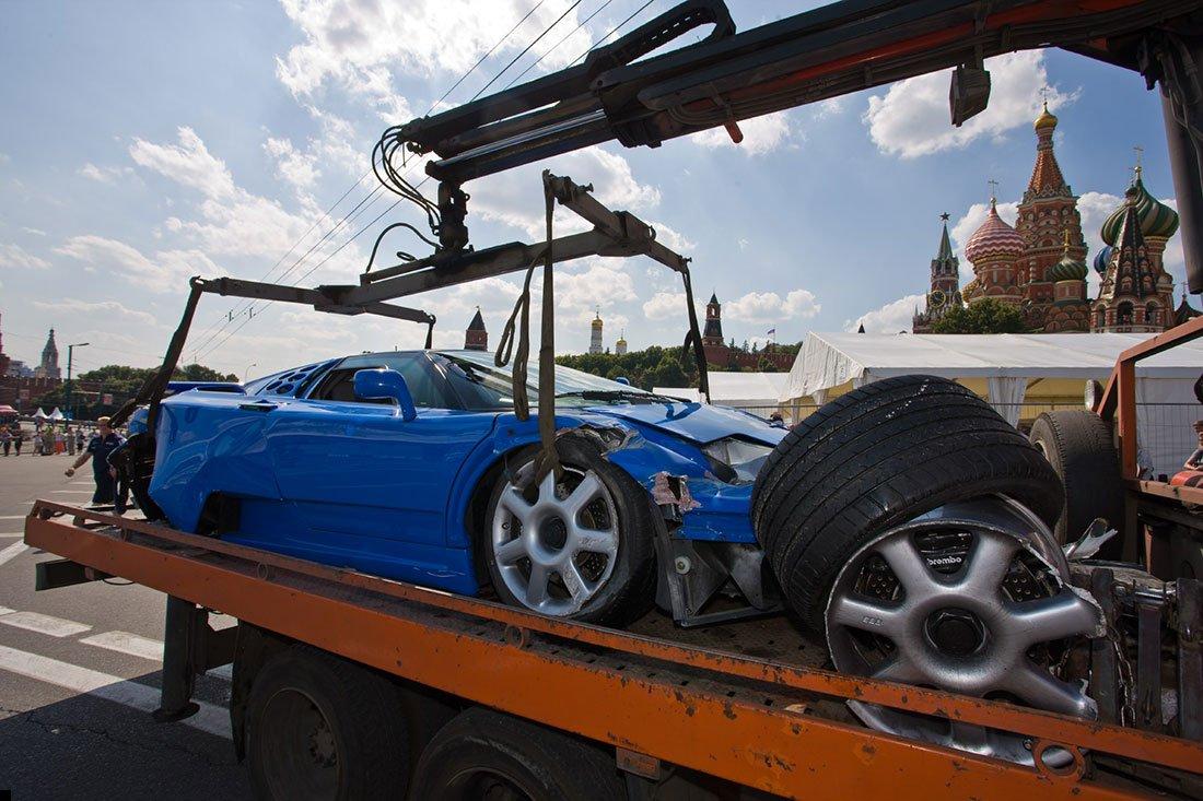 bugatti-crash-08
