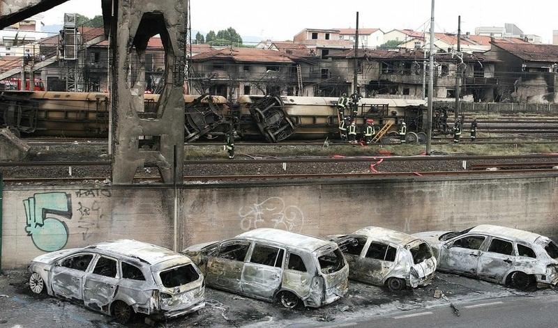 italy-train-crash-01