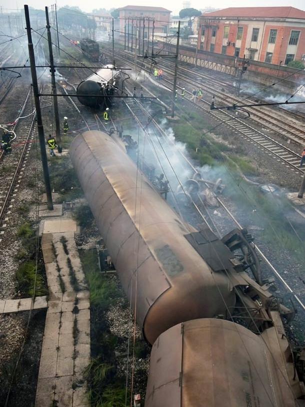 italy-train-crash-02