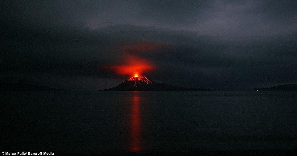 krakatoa-volcano-01