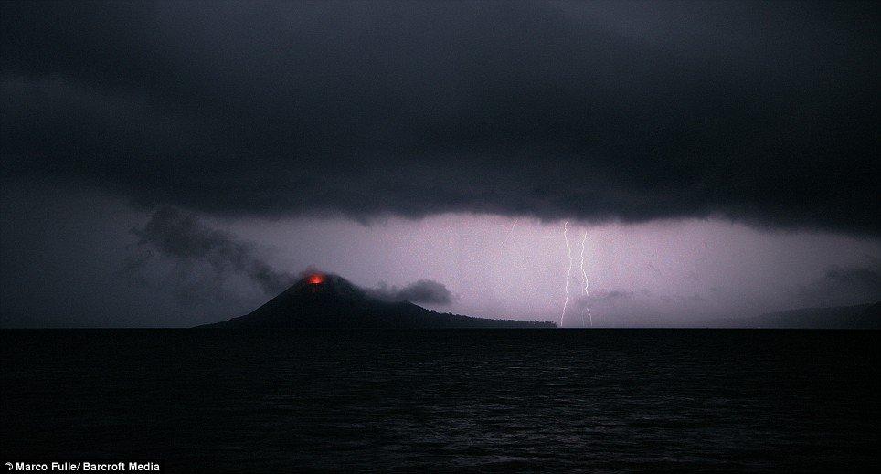 krakatoa-volcano-05