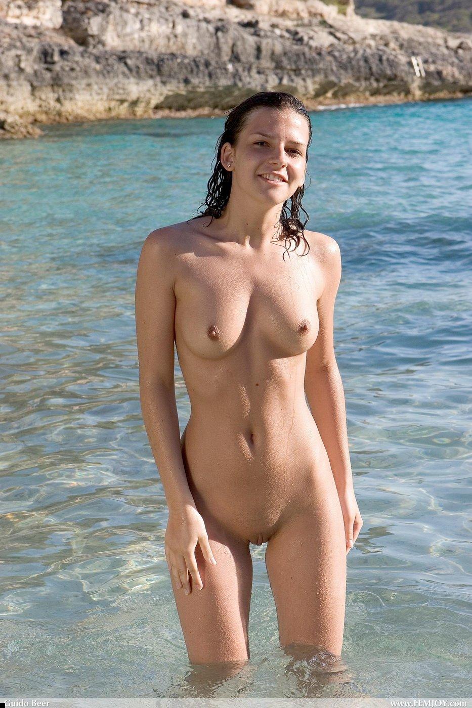 Девушки голые нудистки