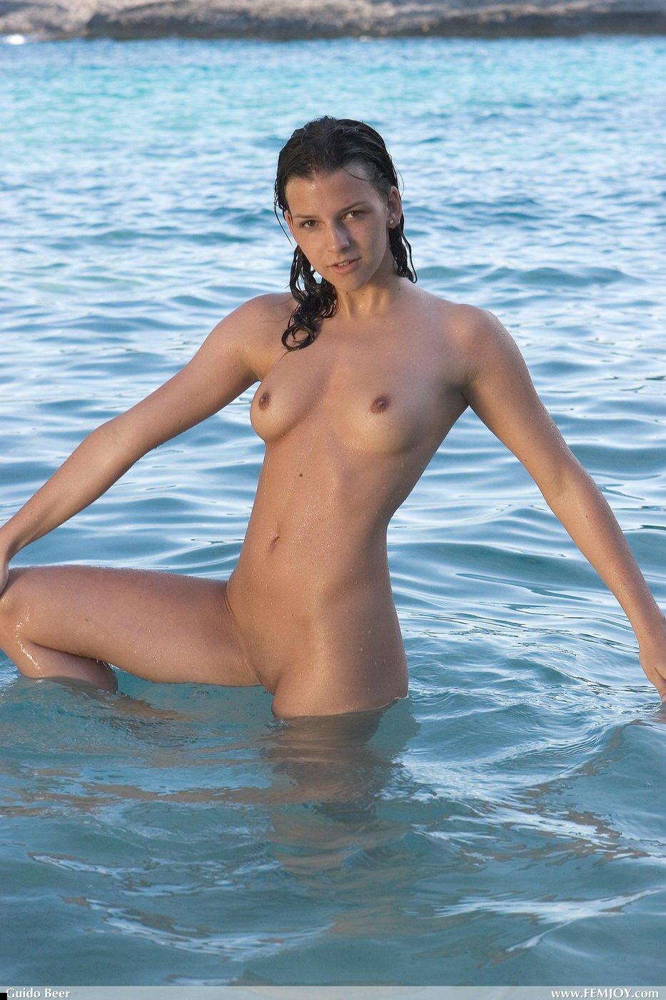 nude-girl-eva-12
