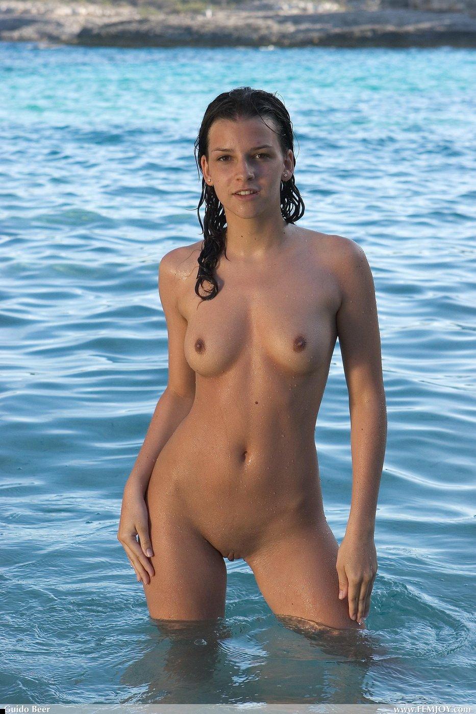 nude-girl-eva-13
