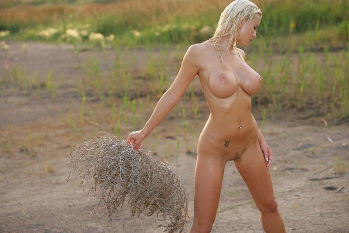 nudists-03