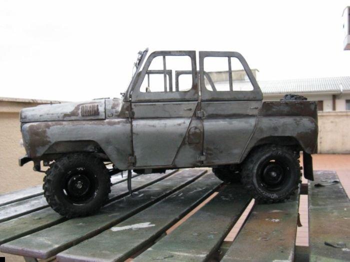 uaz-469b-37