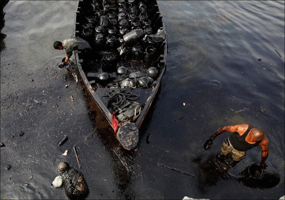В акватории оккупированного РФ Севастополя разлили нефтепродукты - Цензор.НЕТ 7707