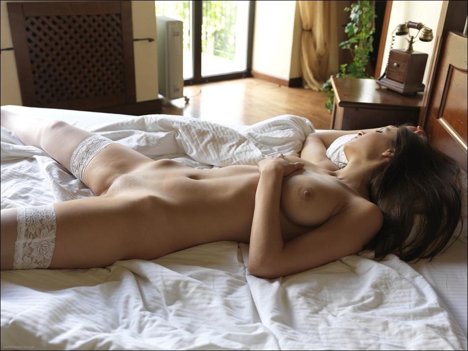 Спящие голые красивые фото