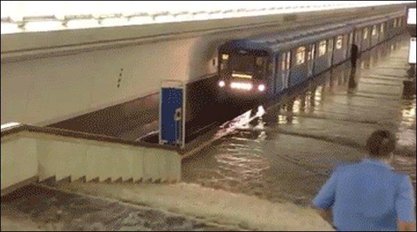 Наводнение в Минском метро