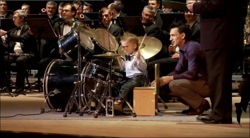 Леня Шиловский - четырехлетний барабанщик