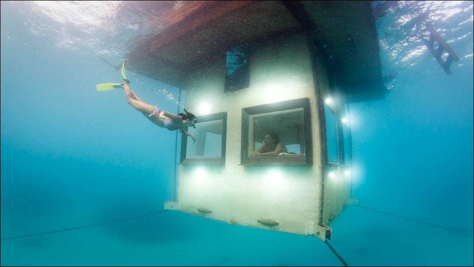 Manta Resort - подводная гостиница