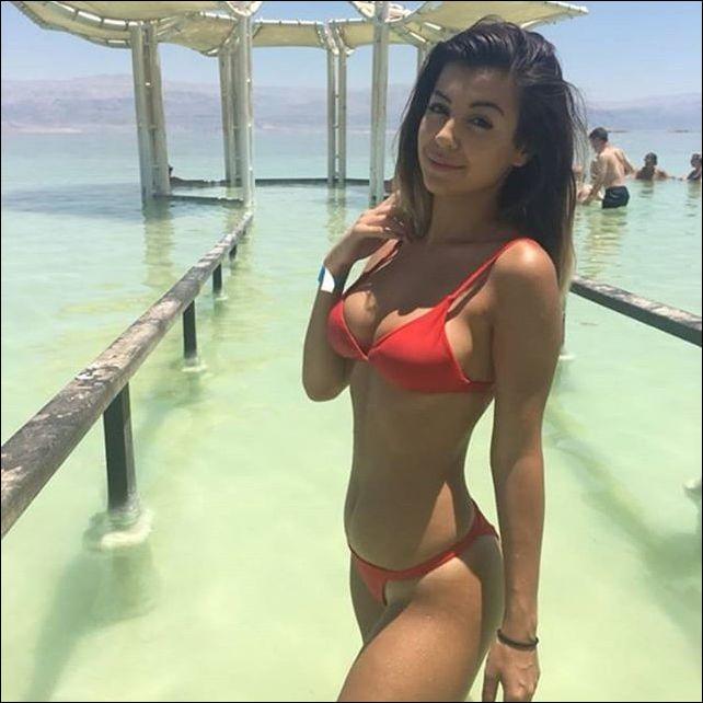 летняя девушка - пляжное фото