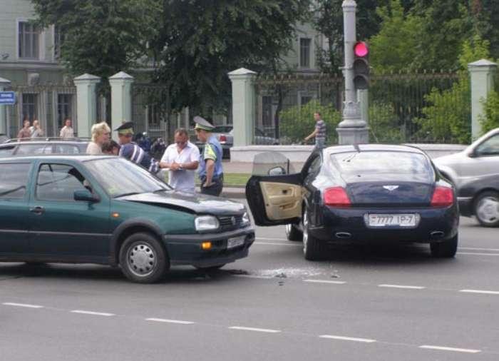 Авария (3 фото) | Прикол.ру — приколы, картинки, фотки и ...: http://www.prikol.ru/2009/06/30/avariya-3-foto-2/