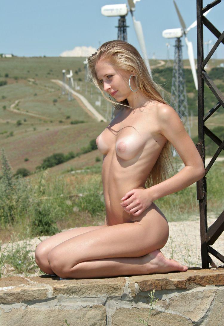 erotica-270609-13