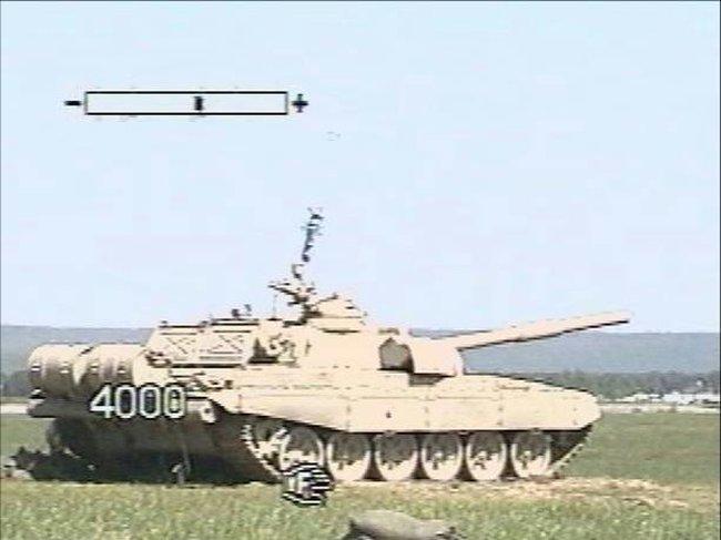 raketa-v-tank-t72-01