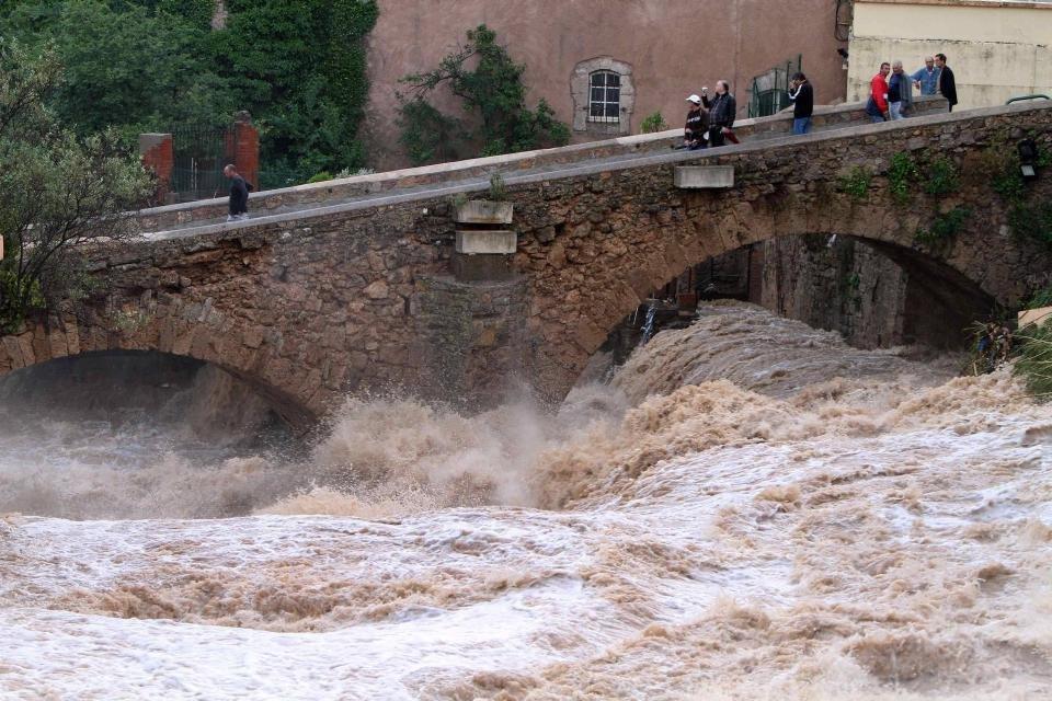 france-flooding-08