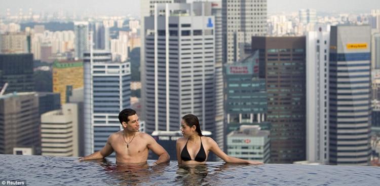 singapore-pool-01