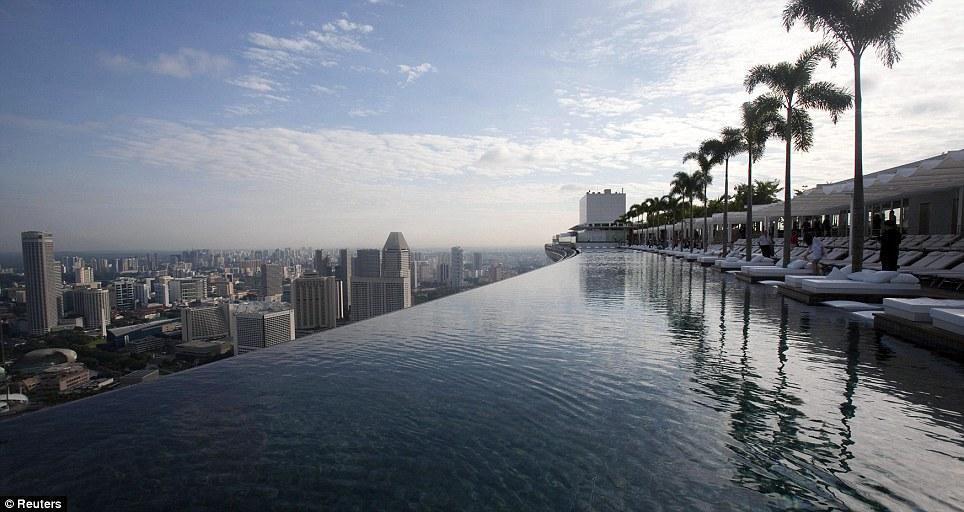 singapore-pool-03