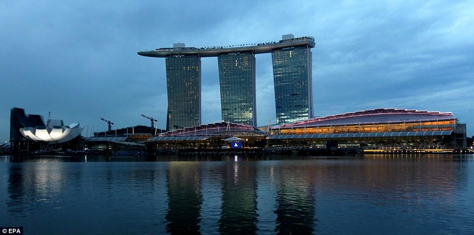 singapore-pool-06