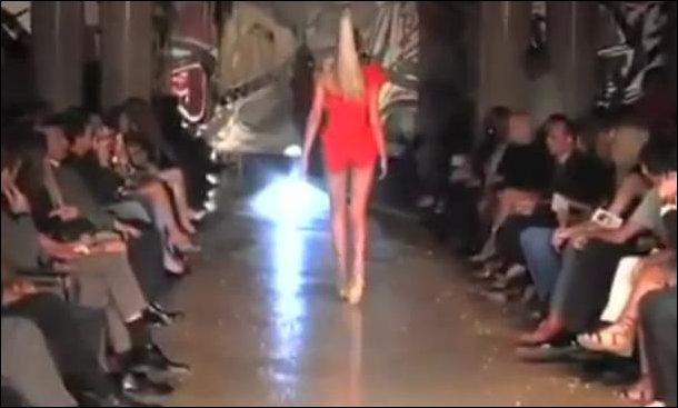 Падения моделей на подиуме
