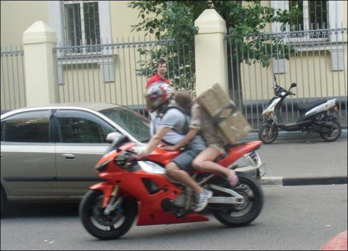 Перевозка грузка на мотоцикле