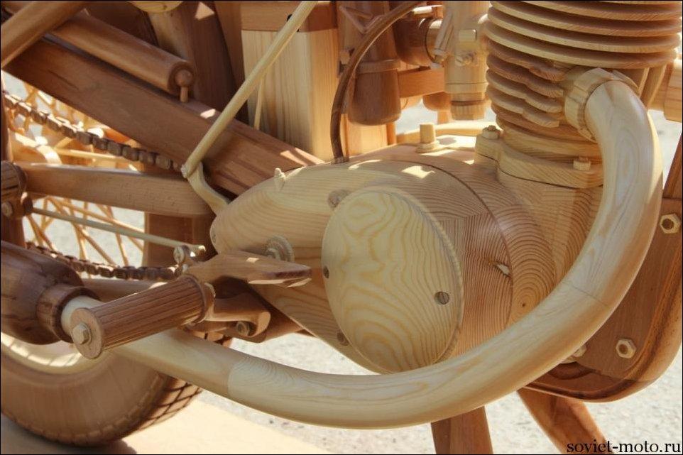 Мотоцикл ИЖ 49 из дерева