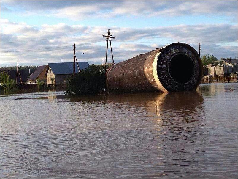 Наводнение принесло ракету