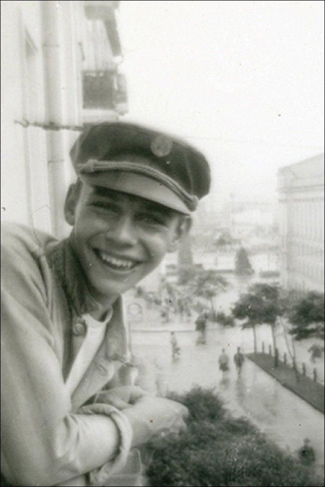 Старые фотографии российских знаменитостей