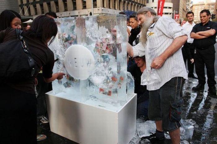 frozen-money-04