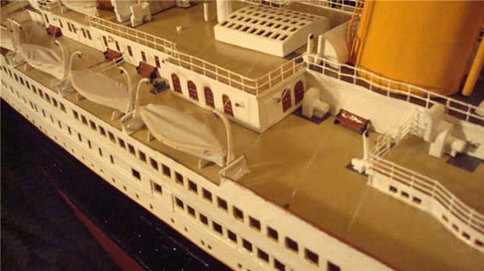 paper-titanic-13
